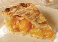 Apricot Pie is a delicious homemade fruit pie, made from dried apricots.