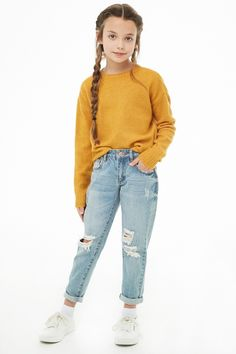 Forever 21 is the authority on fashion & the go-to retailer for the latest trends, styles & the hottest deals. Shop dresses, tops, tees, leggings & more! Casual Outfits For Girls, Cute Girl Outfits, Kids Outfits Girls, Cute Outfits For Kids, Girly Outfits, Trendy Outfits, Kids Girls, Teenage Outfits, Preteen Girls Fashion