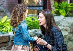 Anne Hathaway Long Hair Wig on 'The Intern' 2