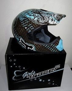 Fox Girls Motocross Helmet XS New Suit Teen Small Adult Female Motorcross Motocross Love, Motocross Girls, Motocross Helmets, Dirt Bike Helmets, Dirt Bike Gear, Motorcycle Helmets, Dirt Biking, Atv Gear, Monster Energy