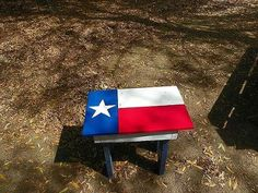 today s projects, painting, pallet, Texas flag table made from pallet wood