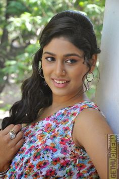 Manisha Yadav Out! Indian Actress Gallery, South Indian Actress Hot, Beauty Full Girl, Beauty Women, Beautiful Girl Indian, Beautiful Women, Actress Navel, Beautiful Sketches, India People