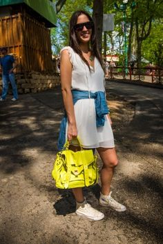 21 Awesome Outfits From This Year's Sweetlife Festival Outfits With Converse, Converse Hightops, Dress Outfits, Cool Outfits, High Top Tennis Shoes, Festival Fashion, Festival Style, First Girl, Fancy Pants