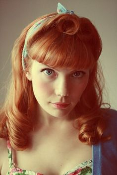 Terrific vintage inspired hairstyle. #vintage #hair #redhead