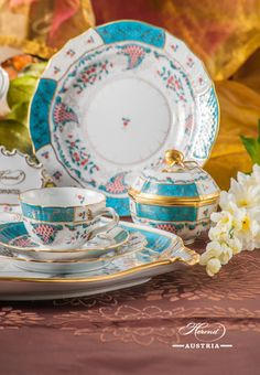 Designed By Herend in Tupini was inspired by Arabian ceramics glittering in enamel colours. Borrowing just a handful of motifs from the mysterious Orient. Fine China Dinnerware, Serveware, Tableware, Copper Lamps, Arabian Nights, China Patterns, The Conjuring, Tea Time, Masters