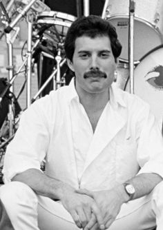 """tatianarlove: """"«When Freddie walked in, he sat down and said """"Hello!"""" and we started chatting. Freddie Mercury is very pleasant. He looks a million dollars. Every photograph you see of Freddie Mercury has probably not got any make-up on it. It's..."""