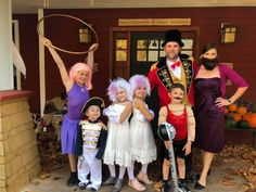 The greatest showman family costume Circus Family Costume, Circus Halloween Costumes, Circus Costume, Family Halloween Costumes, Halloween Fancy Dress, Group Costumes, Halloween 2019, Halloween Stuff, Happy Halloween