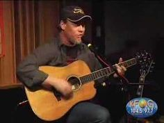 Amazing how Shawn Mullins generates such a rich and varied sound from a single acoustic guitar.
