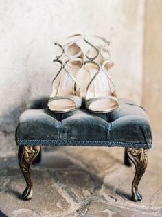 blue wedding inspiration | shoes | curated by @thebridelink