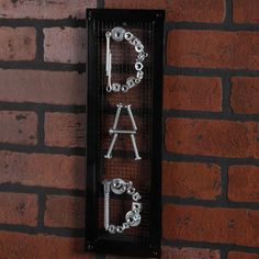 Dad sign out of screws, nuts, nails and bolts