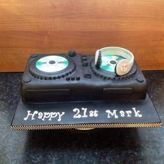Dj cake 7th Birthday, Birthday Cakes, Dj Cake, 80s Theme, Bakeries, Decks, First Birthdays, Party Themes, Ali