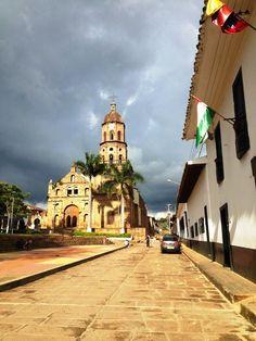Colombia - Curiti Santander. Tranquilidad que se respira en el aire.