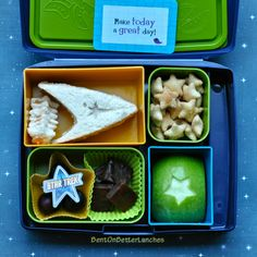 BentOnBetterLunches: Trekkie Lunches -Seriously, I love this girl's blog!  My kids only wish I were this cool.