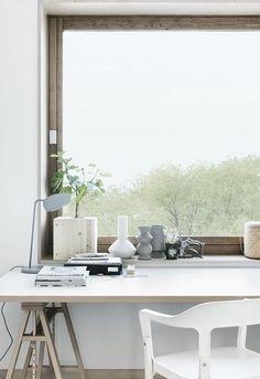 minimal desk / make mine white : home office : workspace Home Office Space, Home Office Design, Home Office Decor, Home Decor, Desk Space, Office Workspace, Attic Office, Study Space, Small Workspace