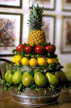 pineapple centerpiece ideas