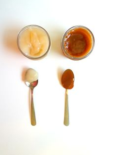 Exquisita leche condensada vegana, hecha con 3 ingredientes en 15 minutos. ¡Sabe IGUAL a la original! El caramelo salado también te va a encantar.