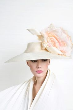 Galleries of haute couture and ready to wear hat collections and handbags. Fancy Hats, Cool Hats, Philip Treacy Hats, Fascinators, Headpieces, Wide Brimmed Hats, Kentucky Derby Hats, Millinery Hats, Diy Hat