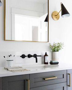Light to the side* Small guest bathroom with dark custom vanity, gray vanity, modern traditional bathroom Minimal Bathroom, Modern Bathroom Design, Bathroom Interior Design, Modern Interior Design, Bathroom Designs, Bathtub Designs, Mid Century Modern Bathroom, Bathtub Ideas, Design Kitchen
