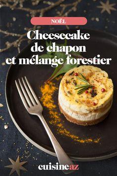 Ce cheesecake salé au chapon et au mélange forestier est parfait pour le réveillon de Noël. #recette#cuisine#cheesecake#chapon#robot #noel#fete#findannee #fetesdefindannee Parfait, Camembert Cheese, Robot, Dairy, Robots