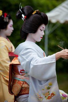 geiko Ichimomo