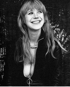 Marianne Faithfull, nice cleavage ♥