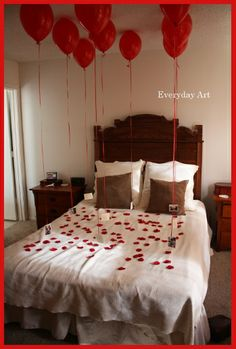"Valentine's Day Idea: ""At the bottom of each balloon pit a picture of from years past. Each picture was then glued to a piece of card stock with the balloon ribbon sandwiched in between. Then, on the back of the card stock, write a reason you love them. Cute Valentines Day Ideas, Valentines Gifts For Him, Be My Valentine, San Valentin Ideas, Saint Valentin Diy, Balloon Ribbon, The Balloon, Holiday Crafts, Holiday Fun"