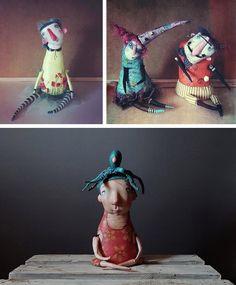 Привет! Кукол скоро станет существенно поменьше у меня, поэтому вот. Напоминалка. Эти ребята у меня свободны. Вдруг кто-то хотел или, может, не видел. Найти их можно по рабочей ссылке в профиле ⬆️. Там описание, цены и почти все остальные мои куклы в одной уютной куче. Всем ♥️ . . . . . #ищутдом #авторскаякукла #моикуклы #куклы #myartwork #mydolls #doll #dolls #dollartist #artdoll #sale #instaart #instaartist #instadolls #characterdesign #puppets