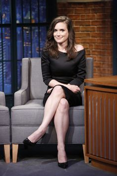 Winona Ryder is an beautiful American actress. Winona Ryder new hairstyle is reflect her lovely, mature, and elegant charachter. Winona Ryder, New Hair, Winona Forever, Models, Perfect Woman, Most Beautiful Women, Beautiful Celebrities, Sexy Legs, American Actress