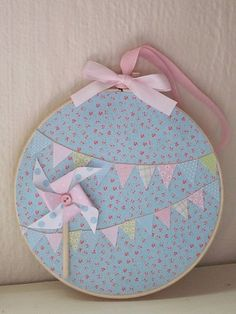 Bunting Embroidery Hoop Art Shabby Chic Decoupage Pastel Pinwheel on Etsy… Felt Crafts, Fabric Crafts, Sewing Crafts, Diy And Crafts, Sewing Projects, Craft Projects, Arts And Crafts, Embroidery Hoop Crafts, Embroidery Designs