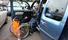 31 Behindertenparkplätze weist Bergisch Gladbach aus - doch die werden oft von Autofahrern blockiert, für die sie nicht gedacht sind. Eine Aktion von Inklusionsbeirat, Behindertenbeauftragter und Ordnungsamt soll für mehr Verständnis sorgen.
