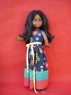 Muñeca Nancy negra de pelo largo y tamaño Lesly en todocoleccion.