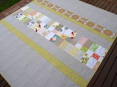 Red Pepper Quilts: The Strips and Bricks Quilt II. This is actually the back of the quilt but I love the way this looks. Backing A Quilt, Quilt Border, Strip Quilts, Patch Quilt, Quilt Blocks, Quilting Tutorials, Quilting Projects, Quilting Designs, Quilt Design