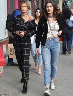 Bella Hadid and Hailey Baldwin doing a Ralph Lauren photo shoot in New York City, New York on April Hailey Baldwin, Jennifer Lawrence, Kendall Jenner Coachella, Summer Holiday Outfits, Black Mom Jeans, Fashion Outfits, Womens Fashion, Fashion Trends, Fashion Inspiration