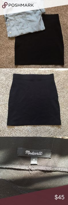 """Madewell City Mini Skirt NWOT. 19"""" long city skirt from Madewell. Super comfortable pointe fabric and great to dress up or down Madewell Skirts Mini"""