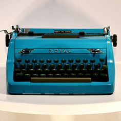Royal Quiet Deluxe Turquoise now featured on Fab.