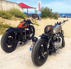 caferacerpasion: scrambler081: CAFE RACER On the beach