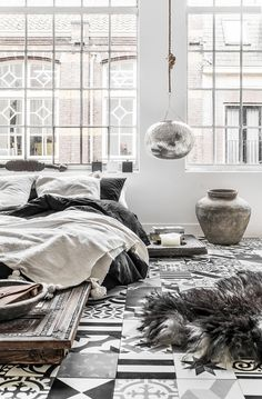 Can you think of any better combination than the cool, crispness of white Scandinavian decor married to the warmth and ethnicity of Moroccan inspired interiors? It sounds like a contradiction in terms but when done right it can be absolutely stunning. The chunky woods, beaten metals, embossed silver bowls, and patterned pottery, stand out like