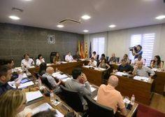 Imatge del ple de l'Ajuntament de Castelldefels