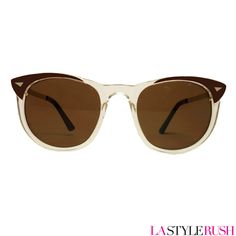 Such a cute retro cat-eye sunglasses from Spitfire! The Whips Cross feature a clear acetate frame with contrast gold hardware details, flat top and oval lenses. Get your retro cat-eye sunglasses at LAStyleRush.com .