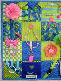 NEW NEW NEW Smiles Frog Fidget Activity Tactile Sensory Quilt Blanket for Alzheimers dementia anxiety brain trauma patients Art And Craft Videos, Arts And Crafts, Homemade Baby Toys, Craft Projects, Sewing Projects, Sensory Blanket, Fidget Blankets, Knitting For Charity, Sewing Crafts