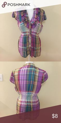 Multi color plaid blouse NWOT Elastic band at the waist Tops Blouses