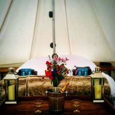 15+ Beautiful Floral Interior Ideas for Bell Tent