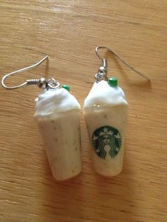 Pringles original earrings - handmade miniature polymer clay food jewelry on Etsy Starbucks Vanilla, Starbucks Frappuccino, Starbucks Coffee, Earrings Handmade, Handmade Jewelry, Dinosaur Earrings, Piercings, Claire's Accessories, Cute Earrings