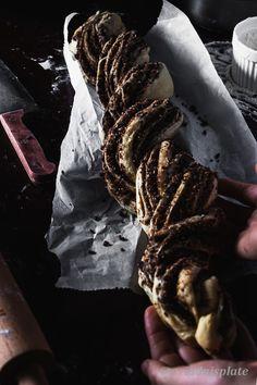 Cinnamon Babka, Cinnamon Almonds, Babka Recipe, Roasted Almonds, English Food, Instant Yeast, Round Cakes, Food Photography, Photography Portfolio