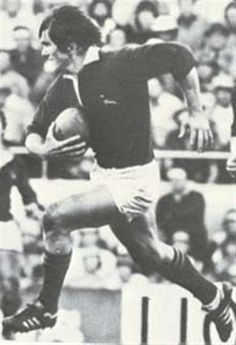 Ray Mordt, powerful Springbok back, on tour to New Zealand in Rugby League, Rugby Players, All Blacks Rugby, Sports Stars, African History, Growing Up, South Africa, Vintage Sport, Passion