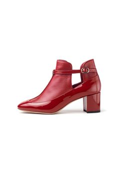 #moliera2 #Valentino #red #leather #shoegazm #fashion #luxuryfashion #shoes #woman #luxurious #newarrivals #newcollection #fall2013 #newseason #love #want #shopnow