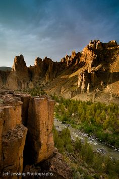 Perched on the edge of the canyon below, I captured the edge of day over the Crooked River.