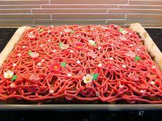 Liian hyvää: Valamon luostarin punaherukkapiirakka Carrots, Food And Drink, Cooking Recipes, Baking, Vegetables, Cake, Ethnic Recipes, Sweet, Desserts