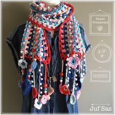 Shawl Primavera handmade by juf Sas met gratis patroon #jufsas #shawl #sjaal #primavera #spring #zomersjaal #zomershawl #Printemps. #pompomgarland #katoen #yarnandcolors #gratispatroon #blog #freepattern #pompom #pompon #pompons #Ilovecrochet #crochet #crocheting #haken #haakverslaafd #hakeniship #creatief #hakenisleuk #handmade #vrolijk #boerzoektvrouw