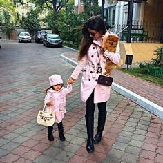 Adorable matching mom and daughter outfits.